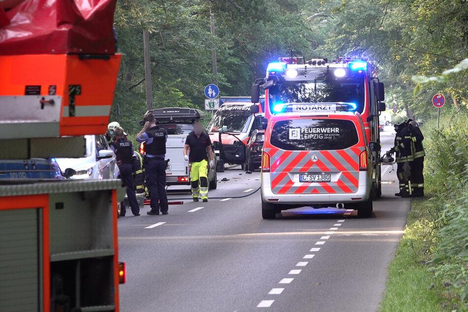 Auf der Gustav-Esche-Straße im Stadtteil Leutzsch sind am Freitagmorgen zwei Autos kollidiert.
