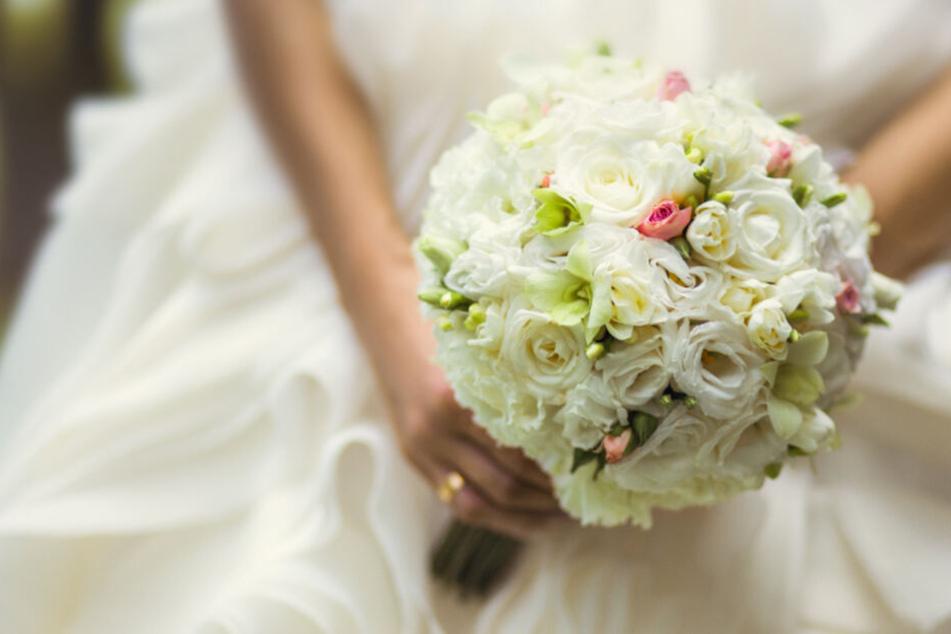 Braut und Bräutigam hatten sich diesen Tag bestimmt anders vorgestellt (Symbolfoto).