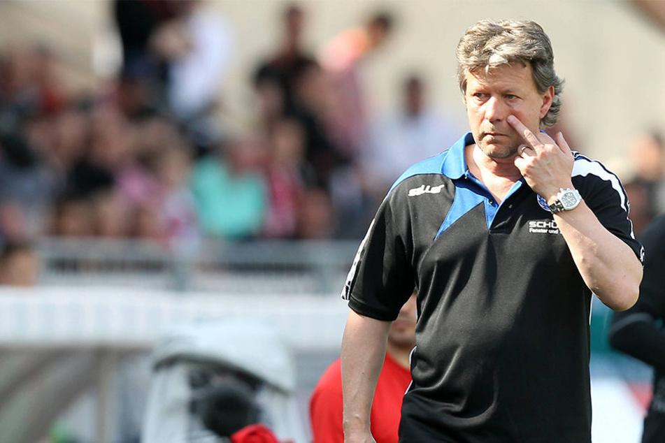 """""""Wenn wir uns retten wollen, müssen wir uns steigern"""", sagt Jeff Saibene nach dem Unentschieden gegen Würzburg."""