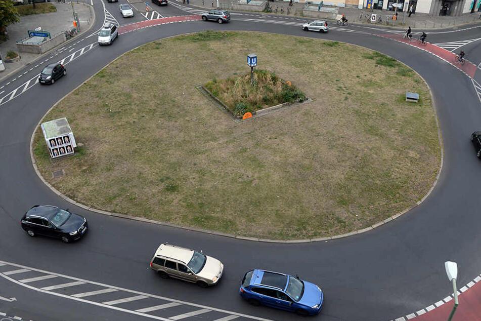 Ein Mann ist in Münster falsch durch einen Kreisverkehr gefahren und dachte er sei in Bielefeld. (Symbolbild)