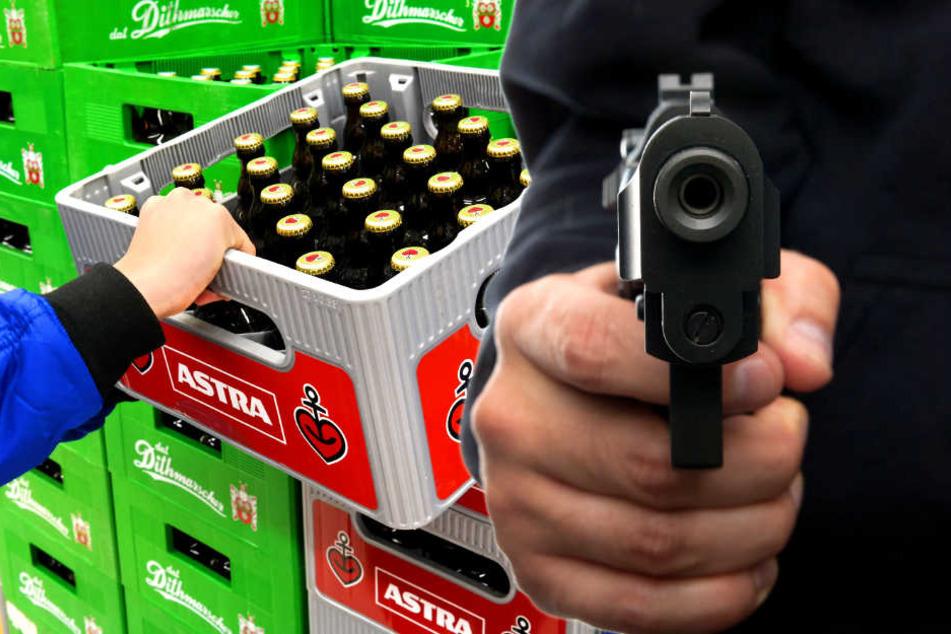 Mann überfällt Getränkemarkt: Dann wird's kurios!