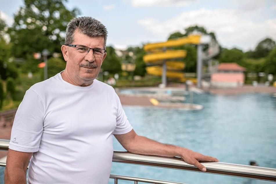 Letzte Freibadsaison: Schwimmmeister Lutz Müller (65) verabschiedet sich nach 44 Jahren in den wohlverdienten Ruhestand.