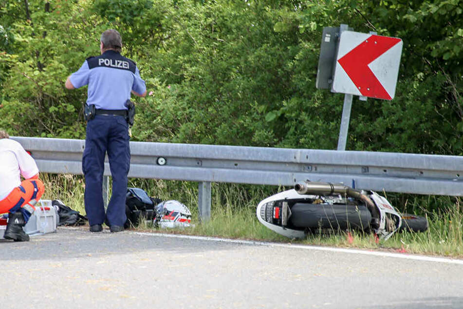 In einer Linkskurve verlor der Hondafahrer die Kontrolle über seine Maschine.
