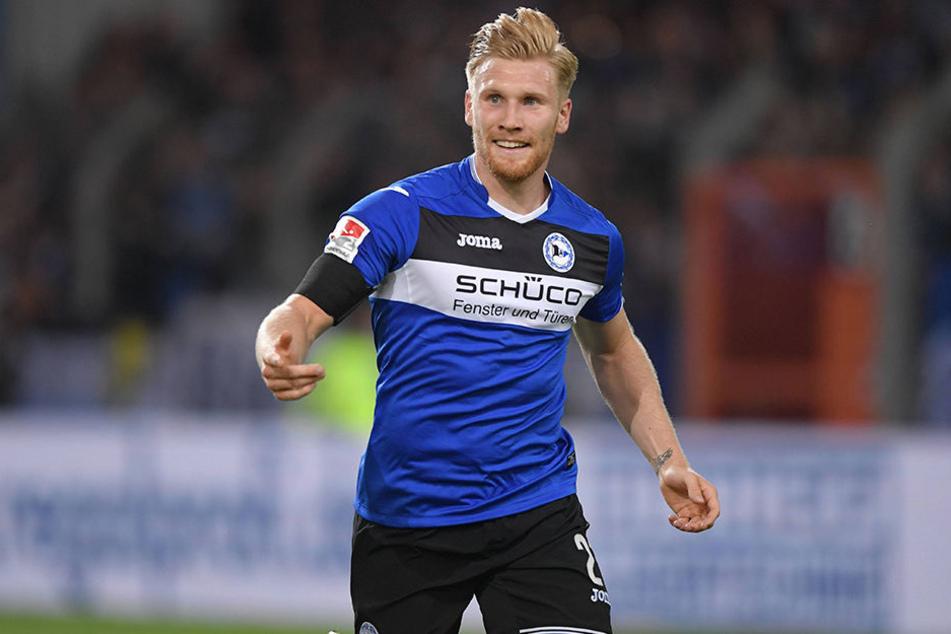 Andreas Voglsammer nutzte einen Fehler der VfL-Abwehr und traf zum 1:0.