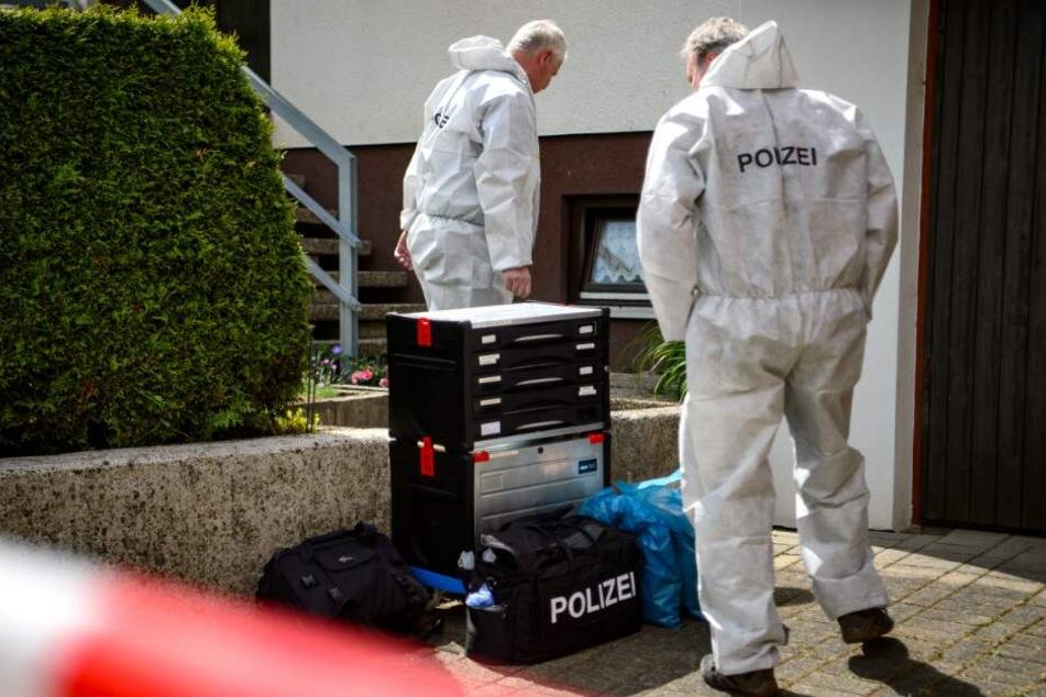 Die Spurensicherung untersuchte den Tatort in Ahaus. (Symbolbild)