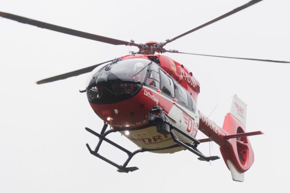 Ein Rettungshubschrauber brachte die Frau ins Krankenhaus. (Symbolbild)