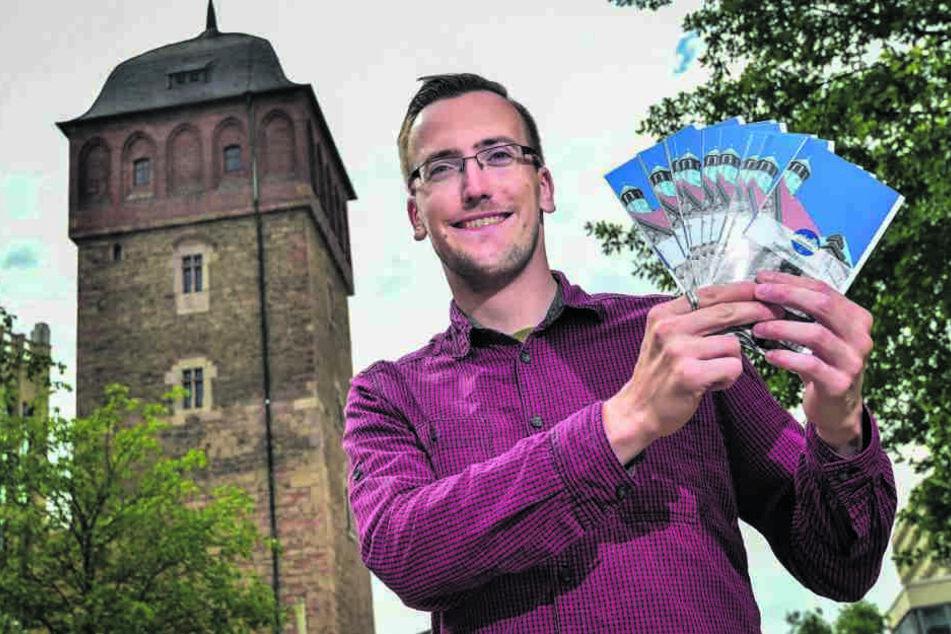 Gästeführer Marcel Wächtler (27) übernimmt heute zwei der sieben Führungen  beim Marathon.