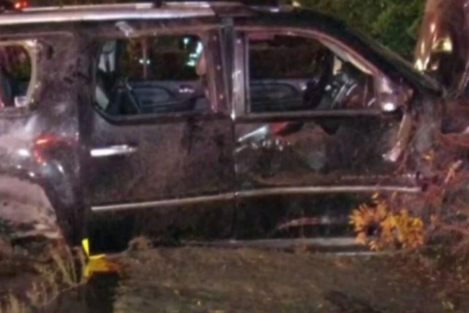 Der SUV wurde bei dem Unfall schwer beschädigt.