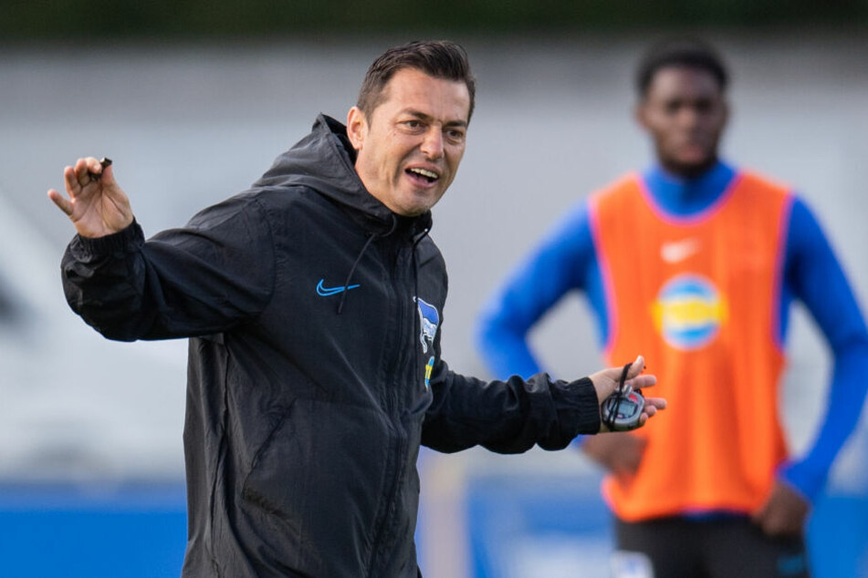 Hertha-Trainer Ante Covic will in Augsburg unbedingt punkten.