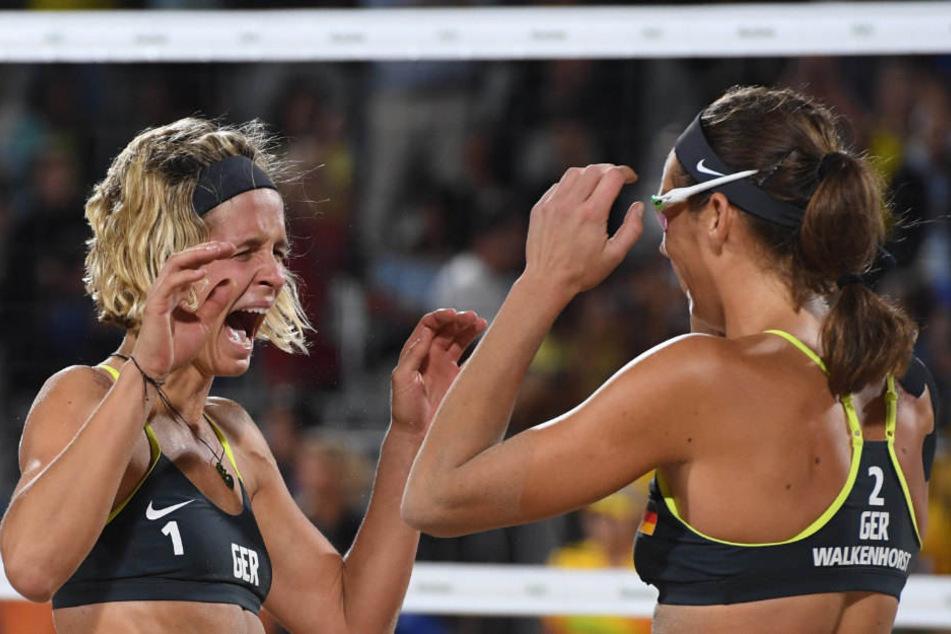 In Rio de Janeiro konnten Kira Walkenhorst (r) und Laura Ludwig das Finale für sich entscheiden.