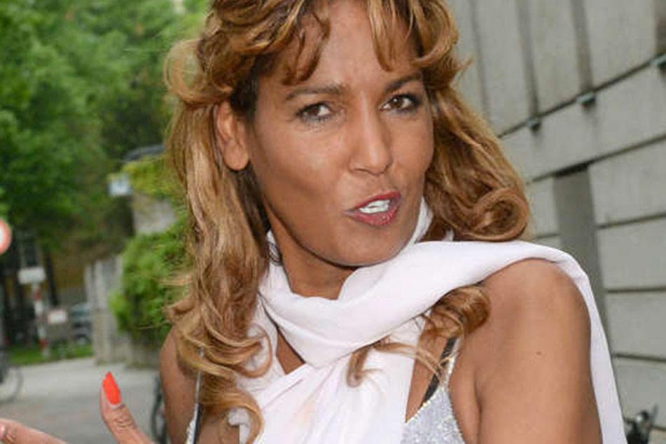 Nadja abd el Farrag (52) wohnt seit über einem Jahr im Hotel. Derzeit geht es bei ihr drunter und drüber.
