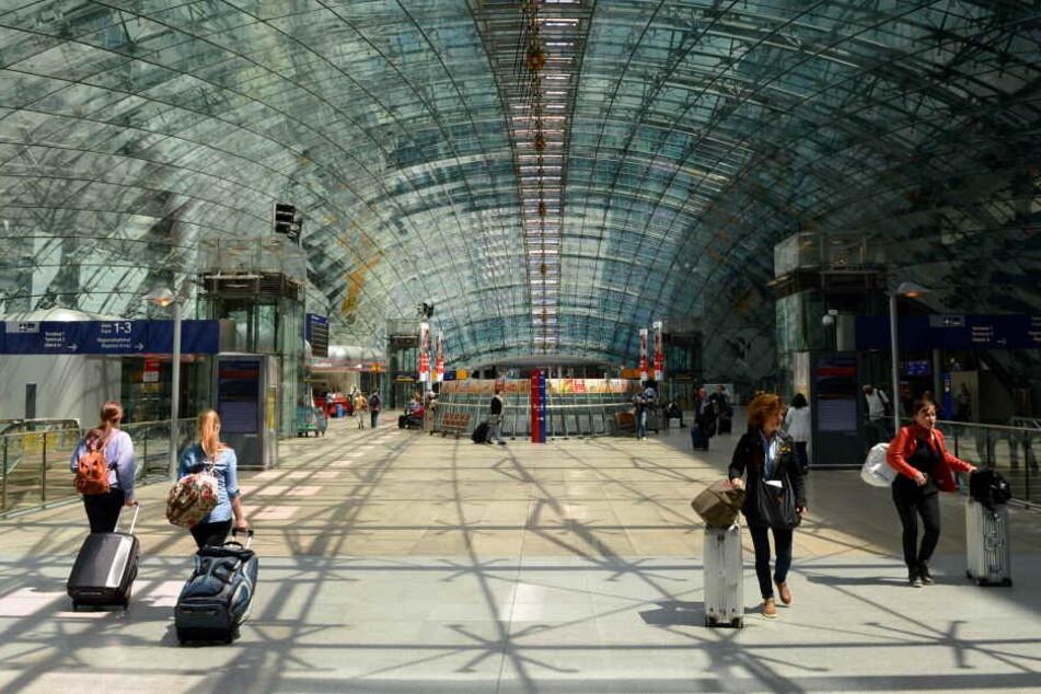 Das Squaire am Frankfurter Flughafen erinnert an einen Walfisch.