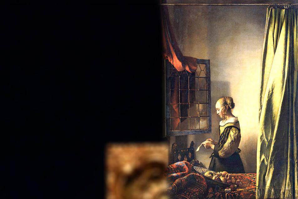 """Das bisher gültige Gemälde zeigt das """"Brieflesende Mädchen"""" vor nackter Wand."""
