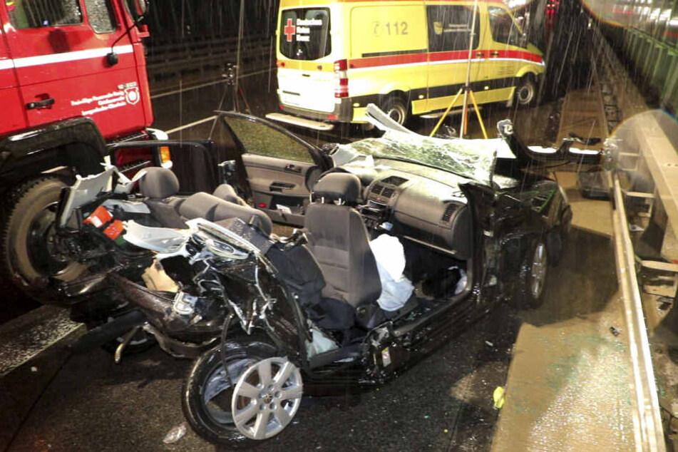 Unfall-Drama auf A72: Ersthelferin stirbt