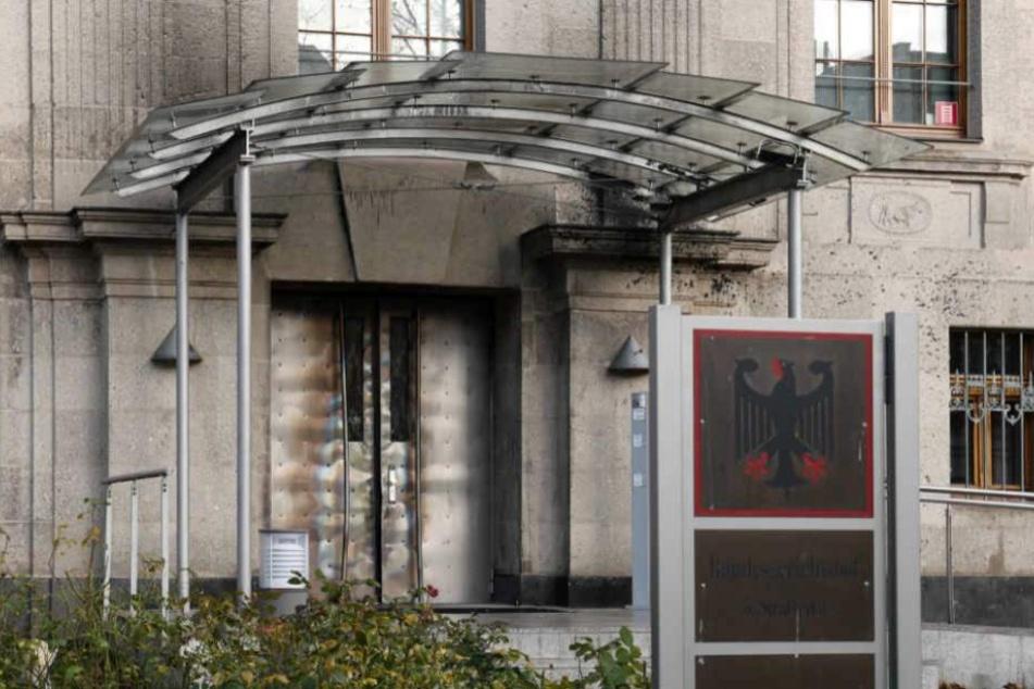 Die Eingangstür des 5. Strafsenats in Leipzig.