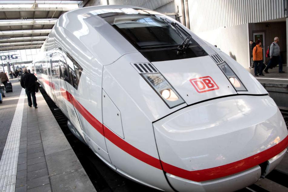 Der komplette Zugverkehr in Bayern wurde eingestellt. (Symbolbild)
