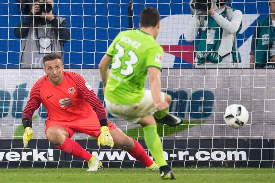 Gomez versenkte den umstrittenen Elfer eiskalt zur Wolfsburger Führung.