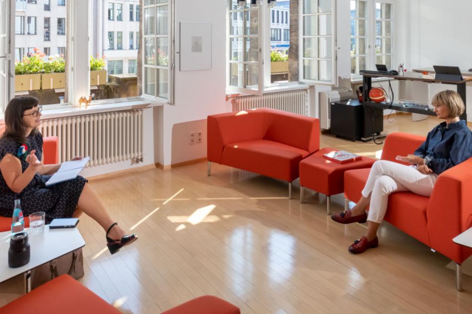 Im luftigen Oberbürgermeister-Büro sprach Barbara Ludwig (58) mit TAG24-Redakteurin Mandy Schneider (49) über Höhen und Tiefen ihrer Amtszeit.