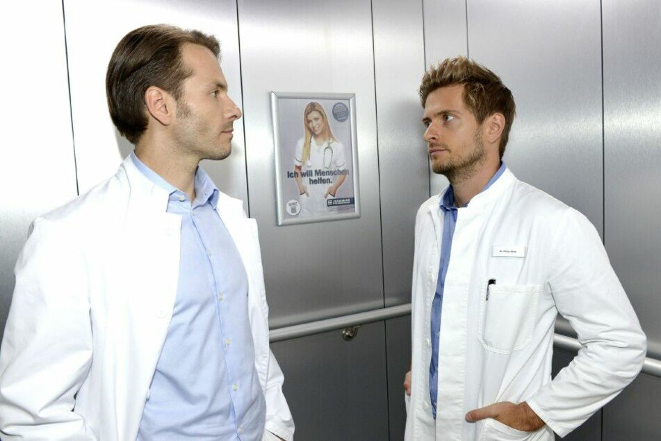 Dr. Benjamin Benedikt will seinen Konkurrenten unbedingt ausstechen.