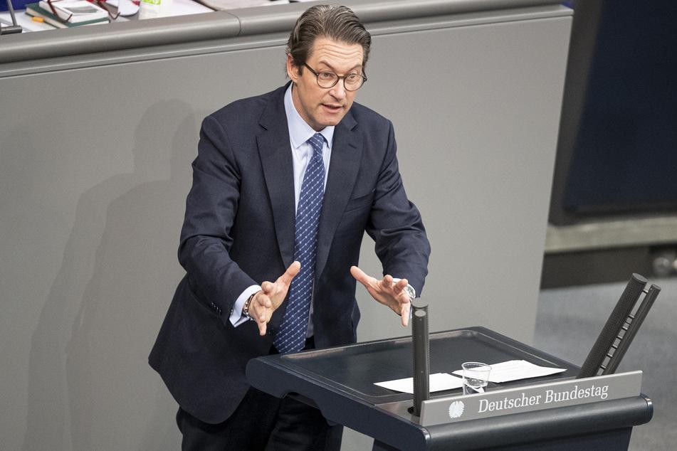 Andreas Scheuer (46, CSU) warnt vor unnötigen Fahrten. (Archivbild)