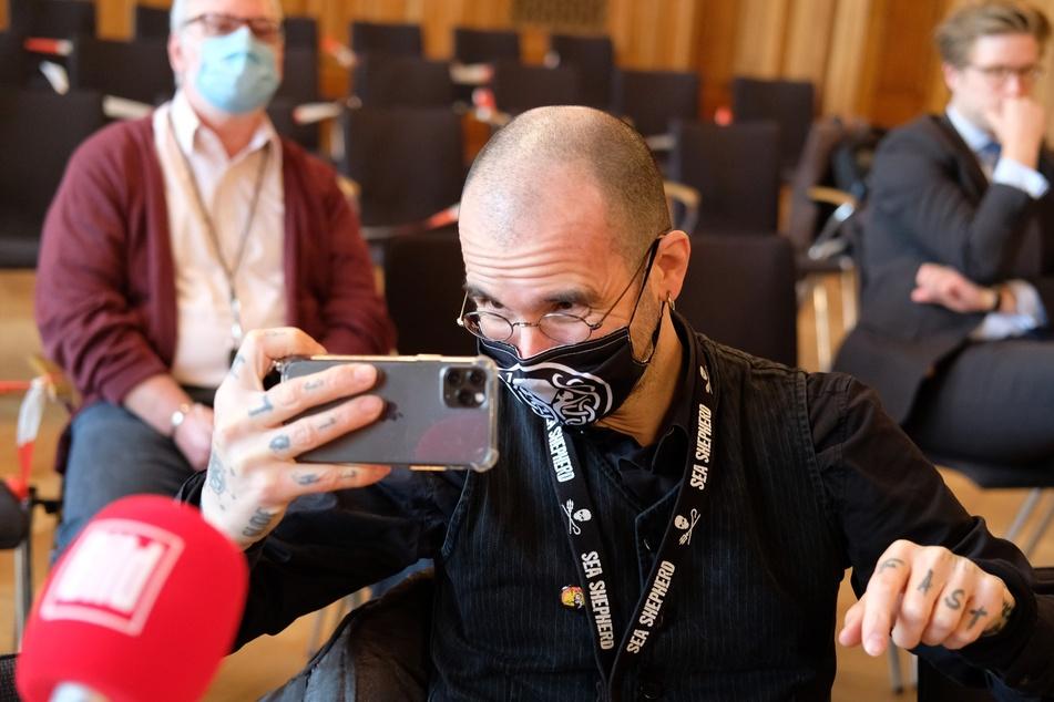 Der bekannte Wissenschaftler Dr. Mark Benecke (50) hat in den sozialen Medien viel Kritik kassiert.