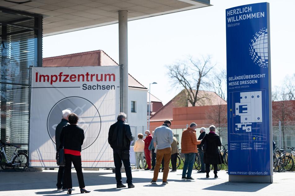 Die Messe Dresden bleibt bis 30. September Impfzentrum. Alle ländlichen Zentren müssen, wie geplant, zum 30. Juni schließen.