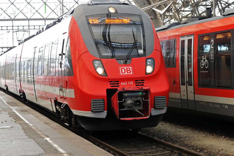 Abo-Kunden mit Monatskarten für drei oder alle Tarifzonen dürfen einen Tag lang mit der Bahn durch Sachsen, Sachsen-Anhalt und Thüringen fahren. (Symbolbild)