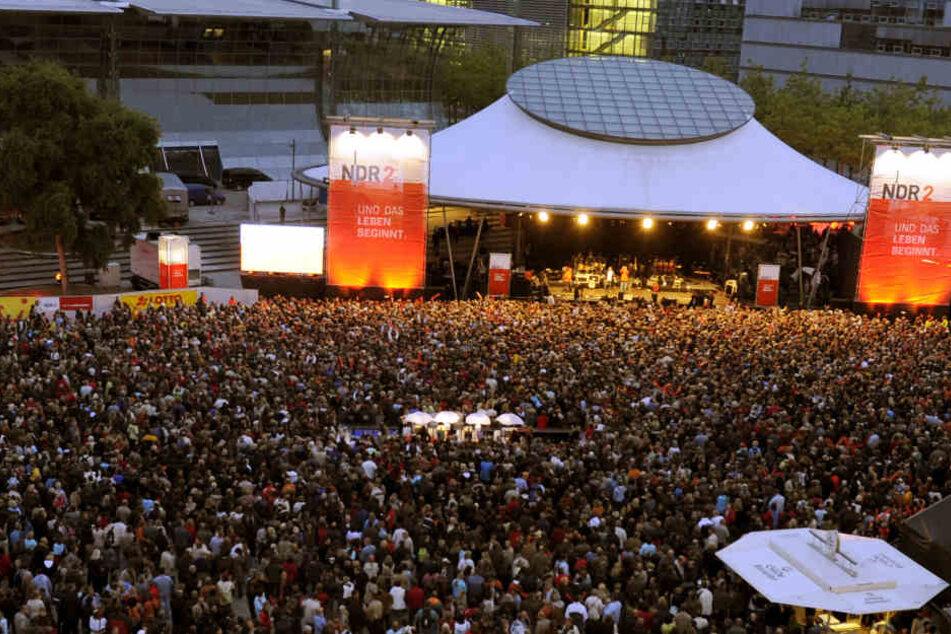 """Der NDR 2 zieht sich vom Plaza Festival zurück: """"Einige Textpassagen des Songs 'Marionetten' aus dem neuen Album der Söhne Mannheims passen einfach nicht zu NDR 2."""""""