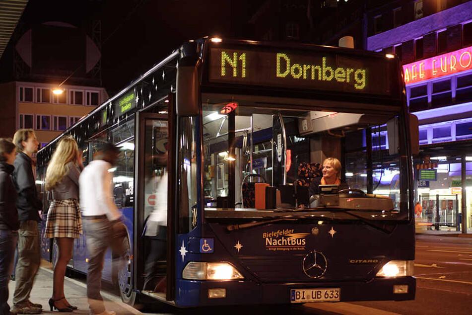Auch an Silvester bringen Bus und Bahn alle sicher nach Hause.