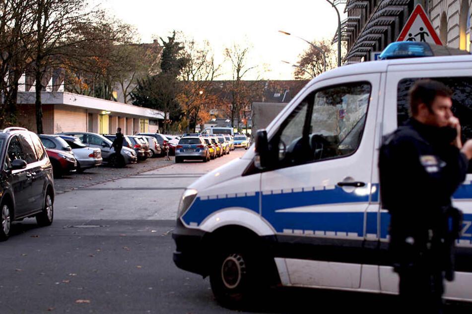 Auf dem Gelände einer Schule rückte die Polizei an