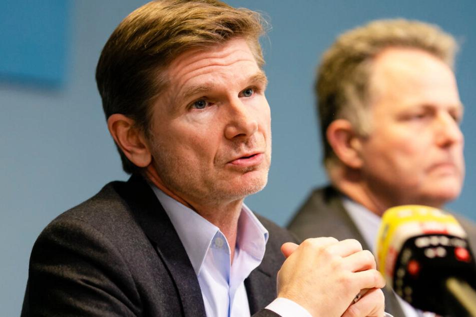 Heiner Garg (FDP), Gesundheitsminister in Schleswig-Holstein, informiert über die Ausbreitung des Coronavirus im Norden.