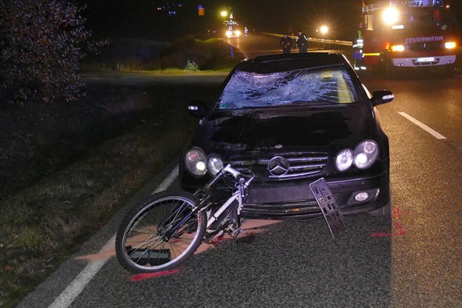 Der Radfahrer war offenbar ohne Licht unterwegs.