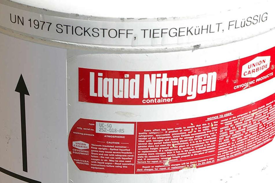 Auf einem Gewerbegebiet in Magdeburg kam es zu einem schweren Stickstoff-Unfall. (Symbolbild)