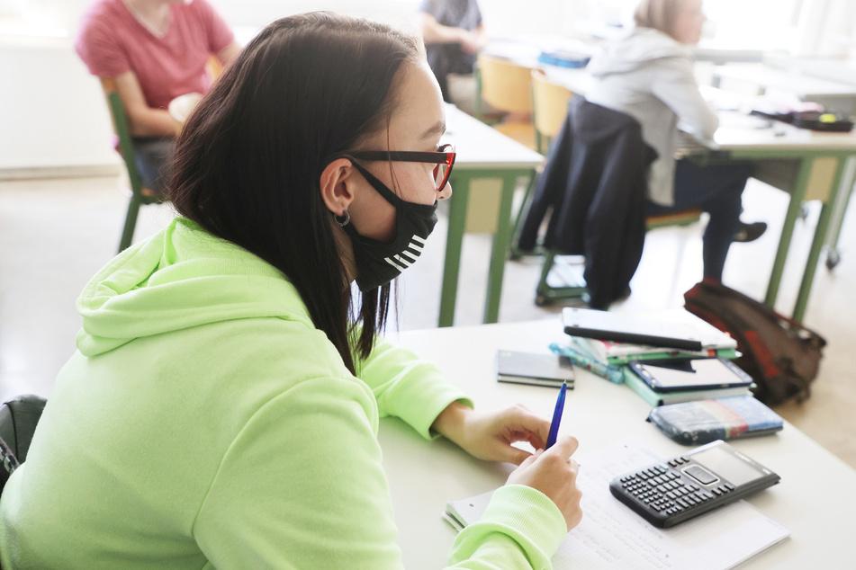 Veto gegen Maskenpflicht an Schulen: Antrag bei Gericht
