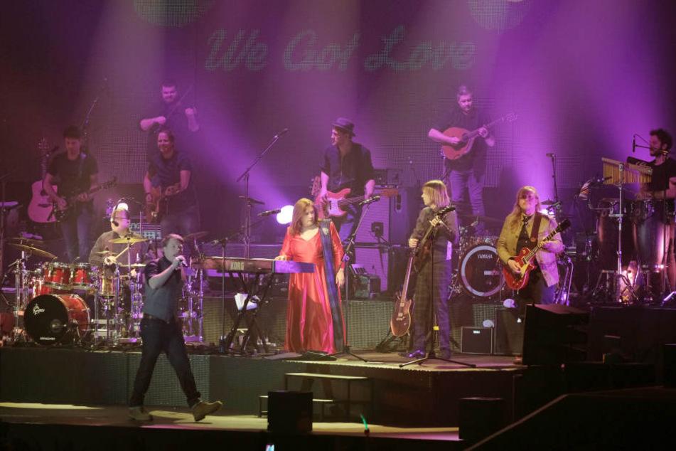 Jimmy, Kathy, John und Joey Kelly von der Kelly Family bei ihrem Konzert in Riesa.