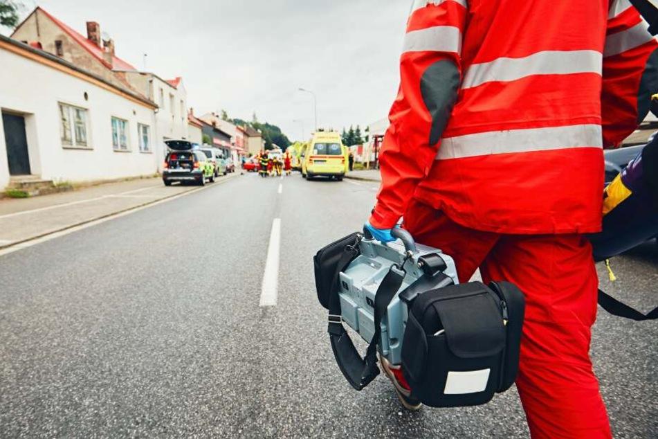 Eine 27 Jahre alte Autofahrerin wurde bei dem Unfall leicht verletzt (Symbolbild).