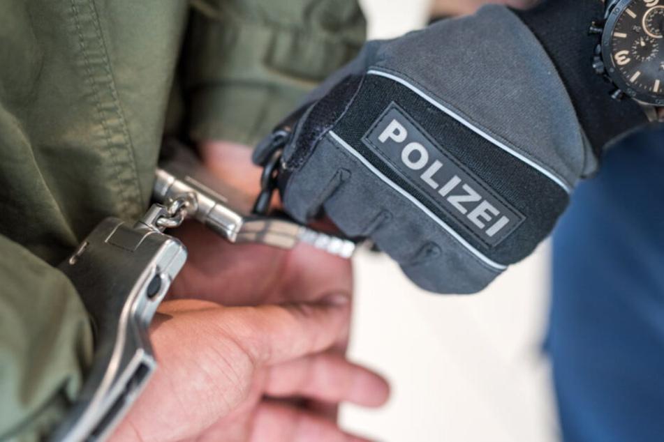 Bundespolizei fasst verurteilten Mörder in Zug in Niederbayern