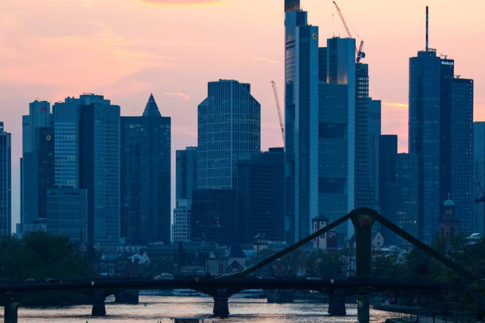 Das Archivbild zeigt die Skyline von Frankfurt am Main.