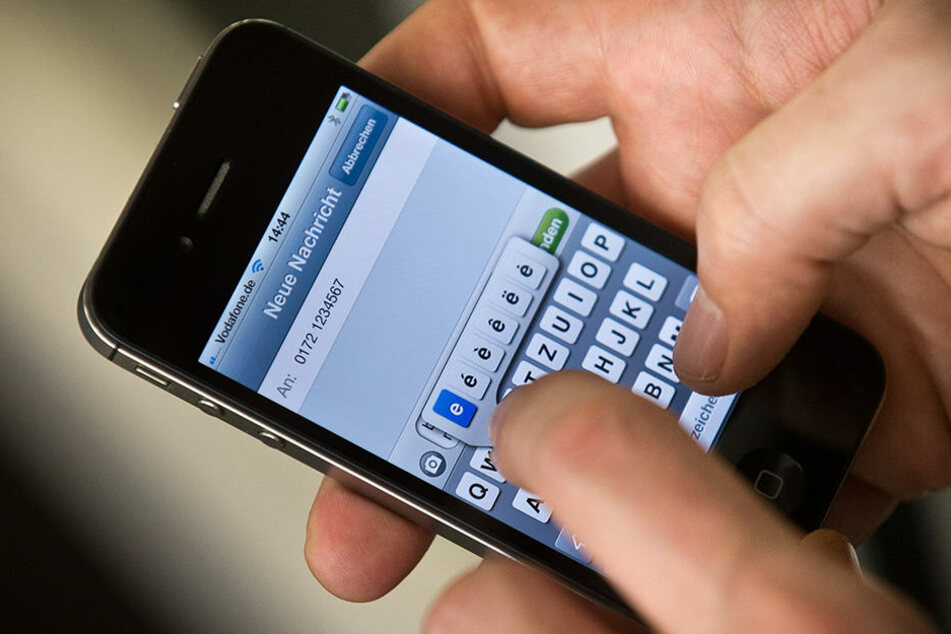 Ein 33-Jähriger schickte seiner Ex-Frau 7.648 Kurznachrichten in knapp sechs Wochen. (Symbolbild)