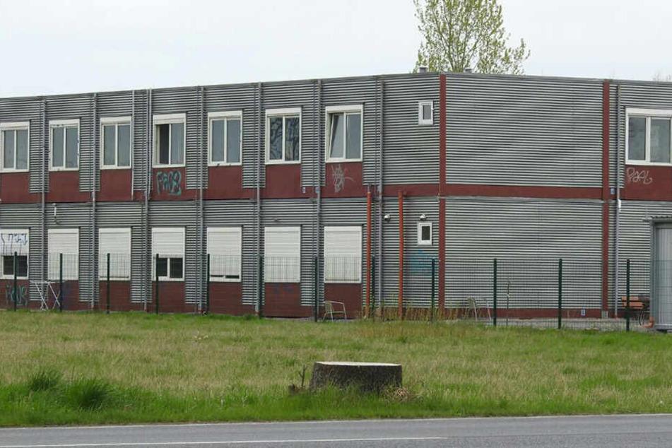 Aus diesem Borsdorfer Asylheim holten SEK-Beamte den Terrorverdächtigen am frühen Samstagmorgen.
