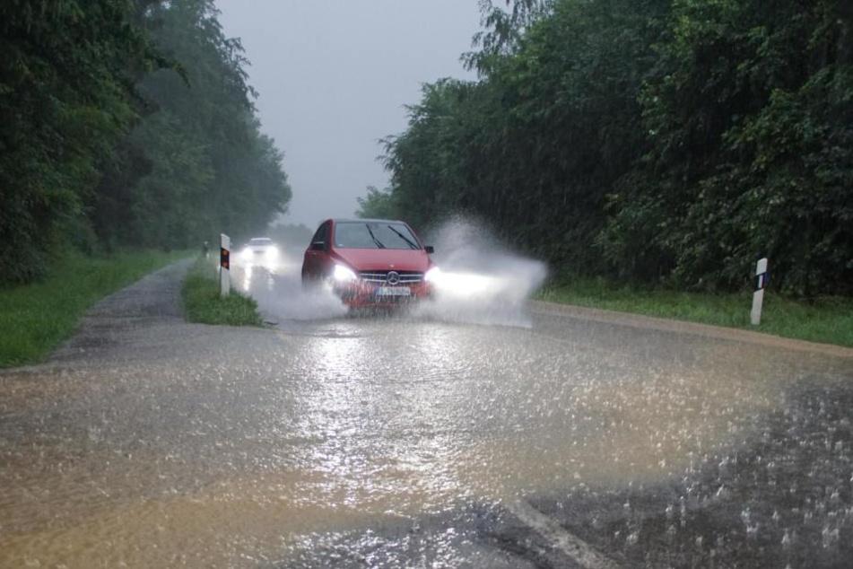 Die Straßen waren wie hier bei Kirchheim unter Teck überflutet.