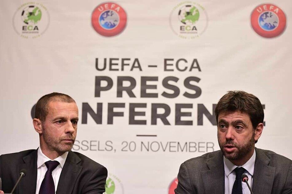Aleksander Ceferin (li), UEFA-Präsident, und Andrea Agnelli, Vorsitzender der European Club Association (ECA), auf einer Pressekonferenz der UEFA.