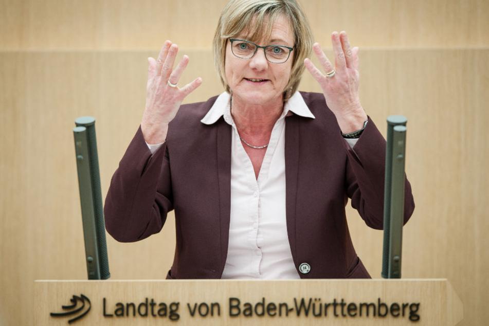 Will nun wissen, was los ist: Finanzministerin Edith Sitzmann.