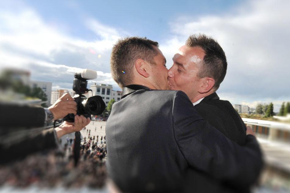Dieses Paar ließ sich im Mai 2013 in Frankreich trauen.