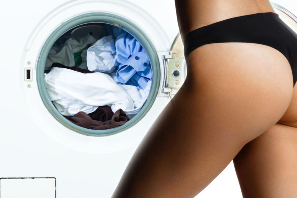 Die Frau zog sich bis auf die Unterwäsche aus. (Symbolbild)