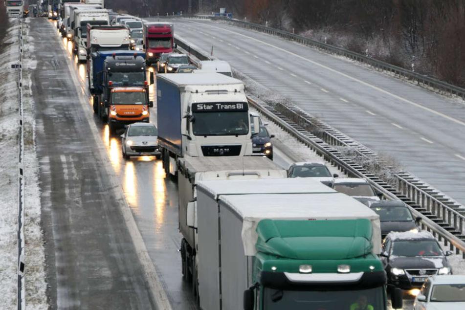 Es staut sich auf der A14 in Richtung Dresden.