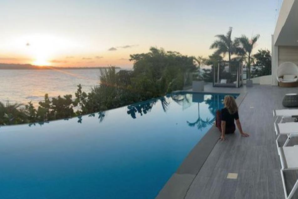 Davon träumen alle: Promi-Lady genießt Urlaubs-Sonnenuntergang