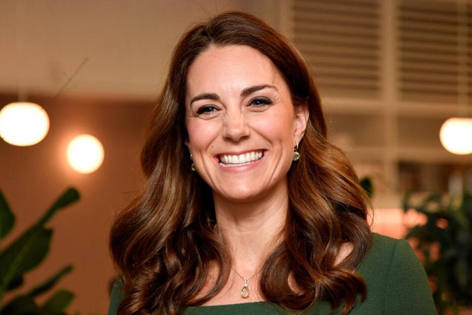 Stilsicher, charmant und herzlich begeistert Kate die Royal-Fans.