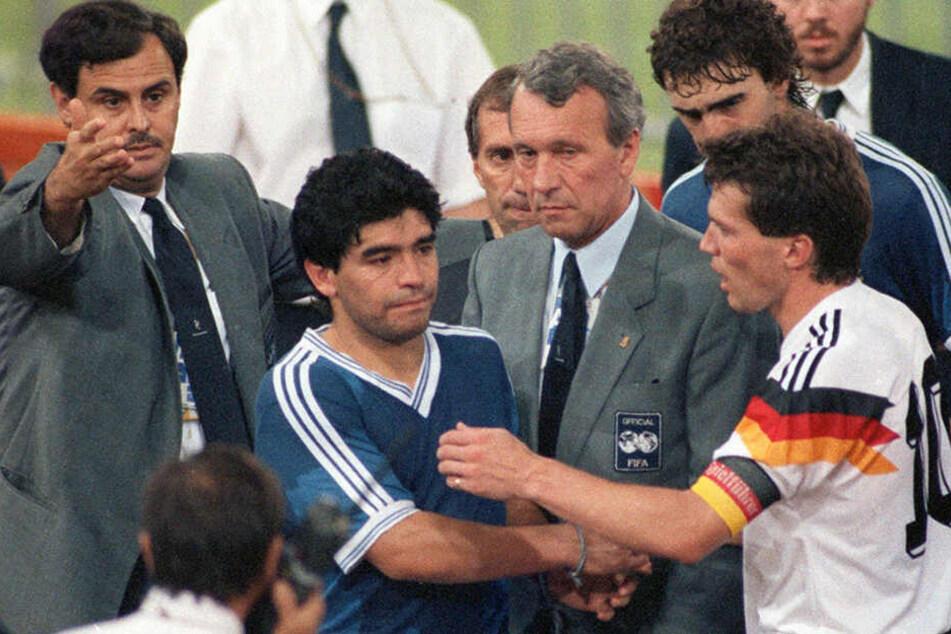 Zwei Fußball-Ikonen unter sich: Lothar Matthäus (58, r) und Diego Maradona (58, M).