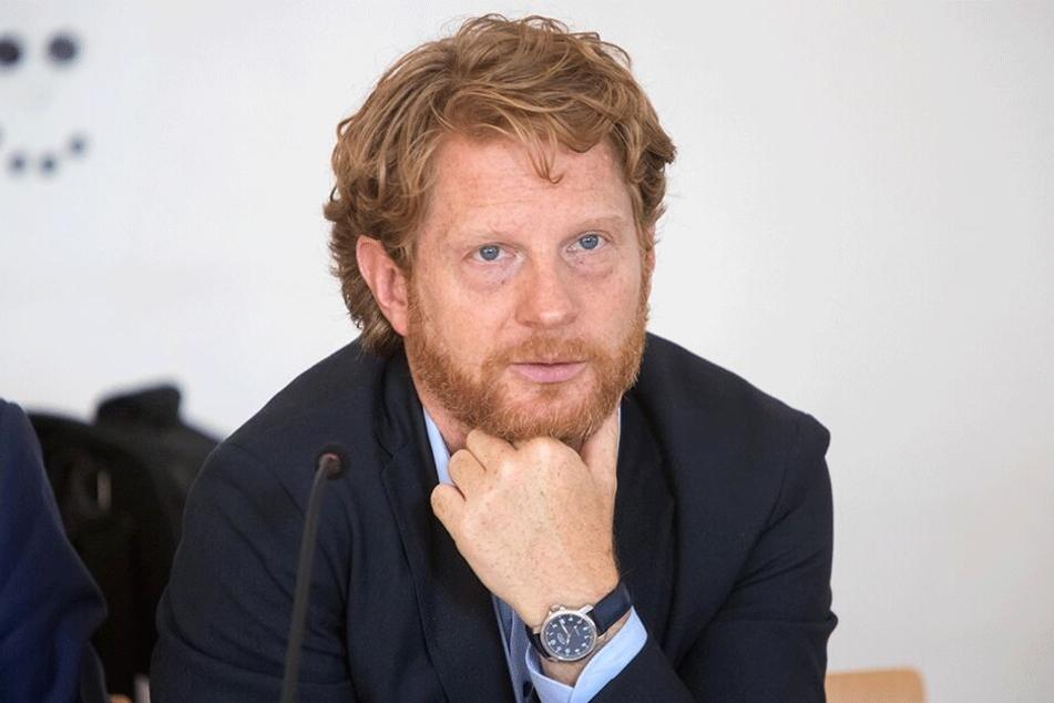 Laut Baubürgermeister Michael Stötzer (45, Grüne) würde eine Entschlammung des Schlossteiches eine Million Euro kosten.